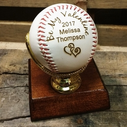 VALENTINE'S DAY PERSONALIZED BALL WITH BASE