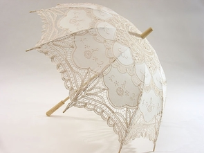 26 Inch Ivory Embroidered Lace Parasol