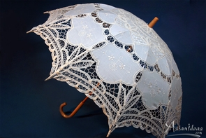 31 Inch Embroidered Ivory Lace Parasol with Hook Handle