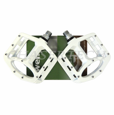 "Wellgo MG-1 BMX Bicycle Magnesium Pedals 9/16"" White"