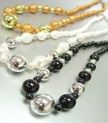 Color Pearls Metal Beads Necklace