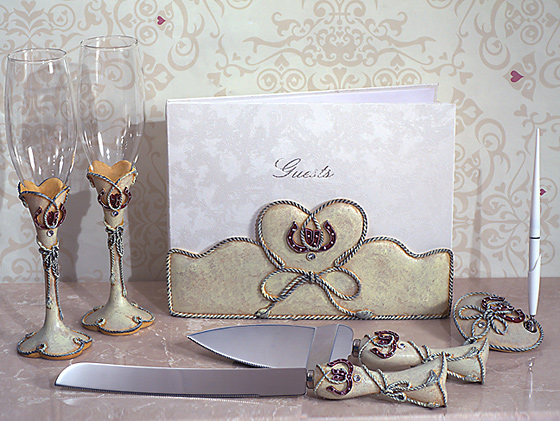 Lucky In Love Western Theme Collection 7 PC Accessory Set