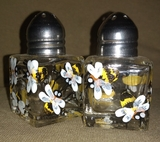 Small Bee Salt & Pepper Shakers