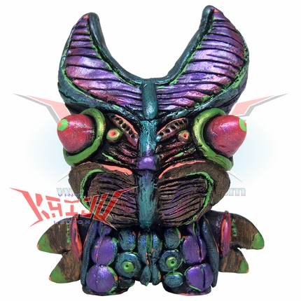 "Tru Slithers Custom Dunny ""Alien Baltan"" Figure"
