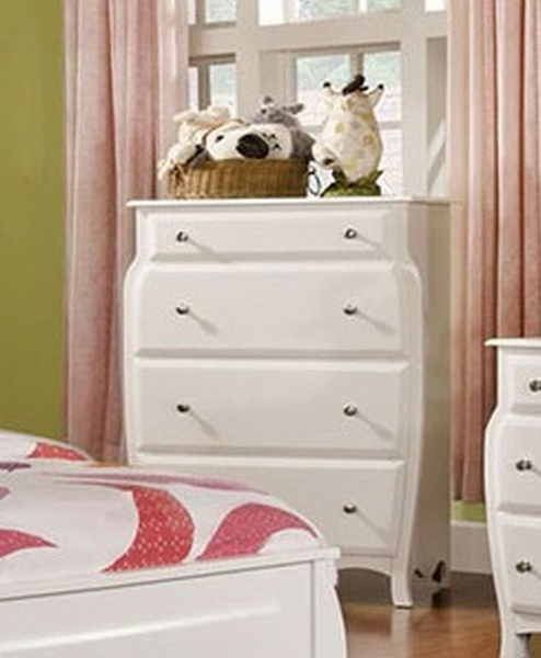 Roxana White Chest by Furniture of America
