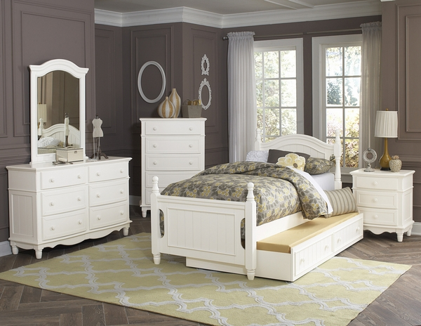 Clementine White Wood Full Bed with Twin Trundle by Homelegance