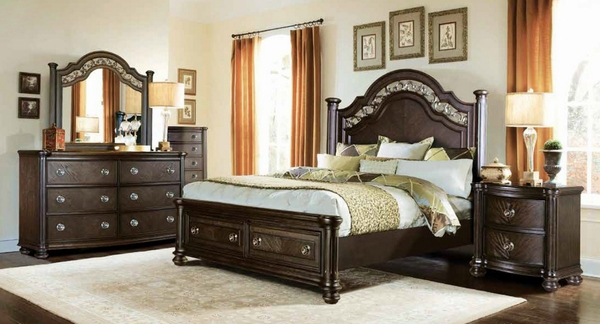 Christi Brown Wood King Bed (Oversized) by McFerran Home Furnishings