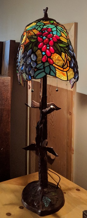 Leaves and Grapes Table Lamp