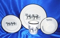 Young & Restless Round Dinnerware