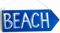 Blue Beach sign right arrow