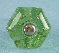 Single green glass knob (1018)