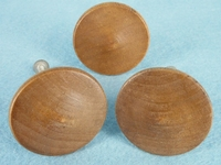 Maple knob (4 available) (1300)