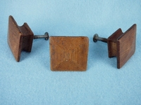 Square Mission oak knobs (1 available) (1380)
