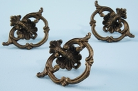 Cast brass drawer pull (3 available) <NOBR> (ca. 1900s)</NOBR>