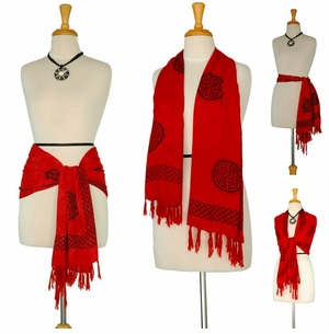 Celtic Knot Scarf Red