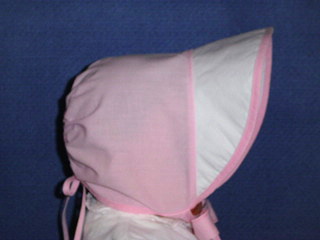 "<img src=""https://p11.secure.hostingprod.com/@grammies-attic.com/ssl/images/blue-sold-1.gif""> Vintage 1940s Pink and White Cotton Bonnet with Wide Brim"