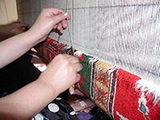 Making Oriental Rugs: Tying Off a Knot