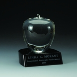 4 X 4-1/2 INCH CRYSTAL APPLE WITH BLACK BASE