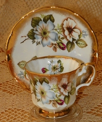 Elizabethan China Cup & Saucer Unmarked Floral Dogwood Gold Trim