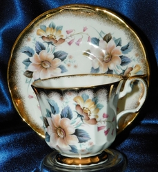 Elizabethan China Cup & Saucer #2908S Floral Gold Trim