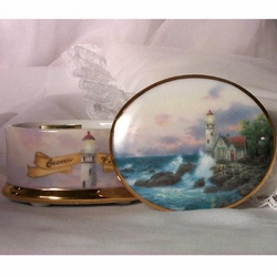 The Beacon of Hope Musical and Porcelain from Thomas Kinkade by Ardleigh Elliott SOLD