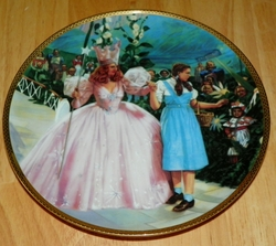 Collector Plate Wizard of Oz Commemorative A Glimpse of the Munchkins by Thomas Blackshear