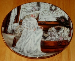 Collector Plate Heirlooms and Lace Series Olivia