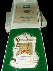 WDCC Winnie the Pooh 1996 Holiday Ornament