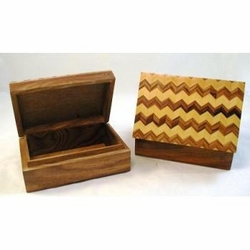 Rosewood Wooden Box - Inlaid design on Lid