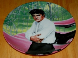 Collector Plate Elvis at the Gates of Graceland from the Elvis Presley: Looking at a Legend Collection