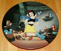 Disney Collector Plate Knowles Snow White and the Seven Dwarfs A Special Treat