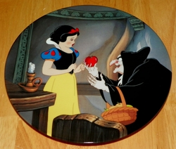 Disney Collector Plate Knowles Snow White Poison Apple Out of Stock