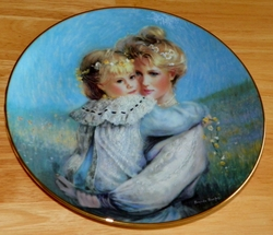 Collector Plate Precious Embrace 1st Issue Bonds of Love - Mothers Day Coll. 1989