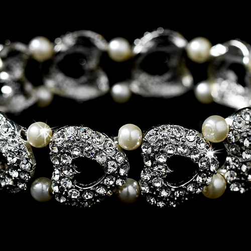 Elegant Pearl & Crystal Stretch Heart Bracelet B 927