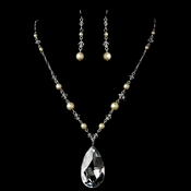 Ivory Necklace Earring Set 7241