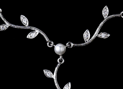 Lovely Silver Clear CZ & White Pearl Vine & Leaf Necklace 3403