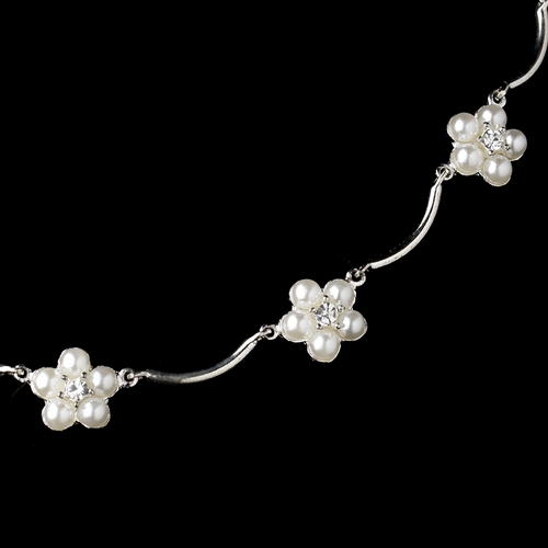 Silver White Pearl Floral Pattern Necklace 2606