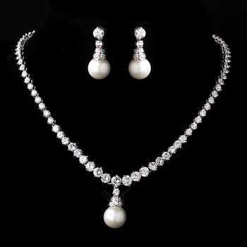 Silver Diamond White Pearl Necklace and Earring Set 3068