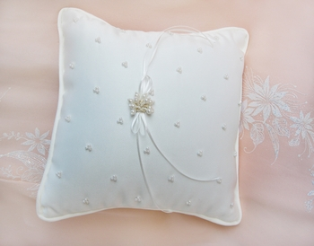 Ring Pillow RP 10