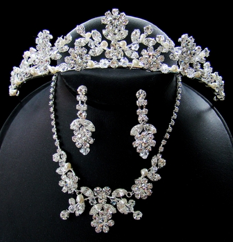 Couture Crystal Matching Jewelry & Tiara Set NE 7201 & HP 7097**Necklace No Longer Has Pearls As Pictured****
