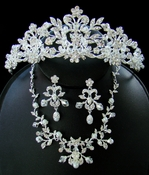 Crystal & Pearl Couture Jewelry/Tiara Set NE 7208 & HP 7102