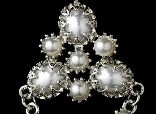 * Vintage Pearl Dangle Earrings E 952