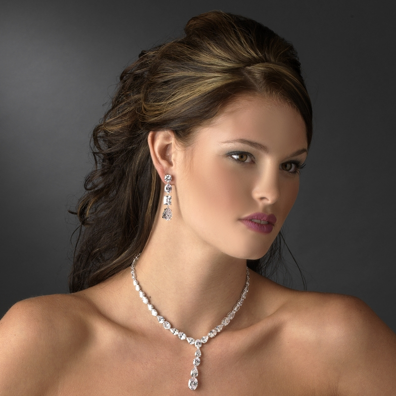 Glamorous Silver Clear Cubic Zirconia Crystal Necklace