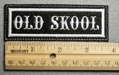 1114 L - OLD SKOOL - Embroidery Patch - White Border White Letters