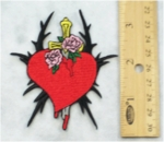 309 N - LOVE HURTS HEART WITH ROSES - EMBROIDERY PATCH
