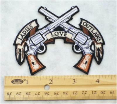 228 N - LADIES LOVE OUTLAWS - EMBROIDERY PATCH