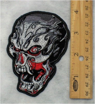 244 G - TRIBAL SKULL WITH FANGS - EMBROIDERY PATCH