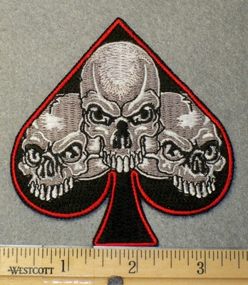 1528 N - Three Skulls In Spade - Embroidery Patch