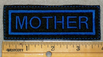 1906 L - Mother - Blue Border - Embroidery patch