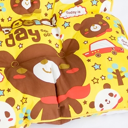 [Special Day - Bear] Chair Seat Cushion / Chair Pad (15.8 by 15.8 inches)